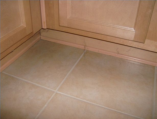 Kitchen Cabinet And Molding How To Replace Base