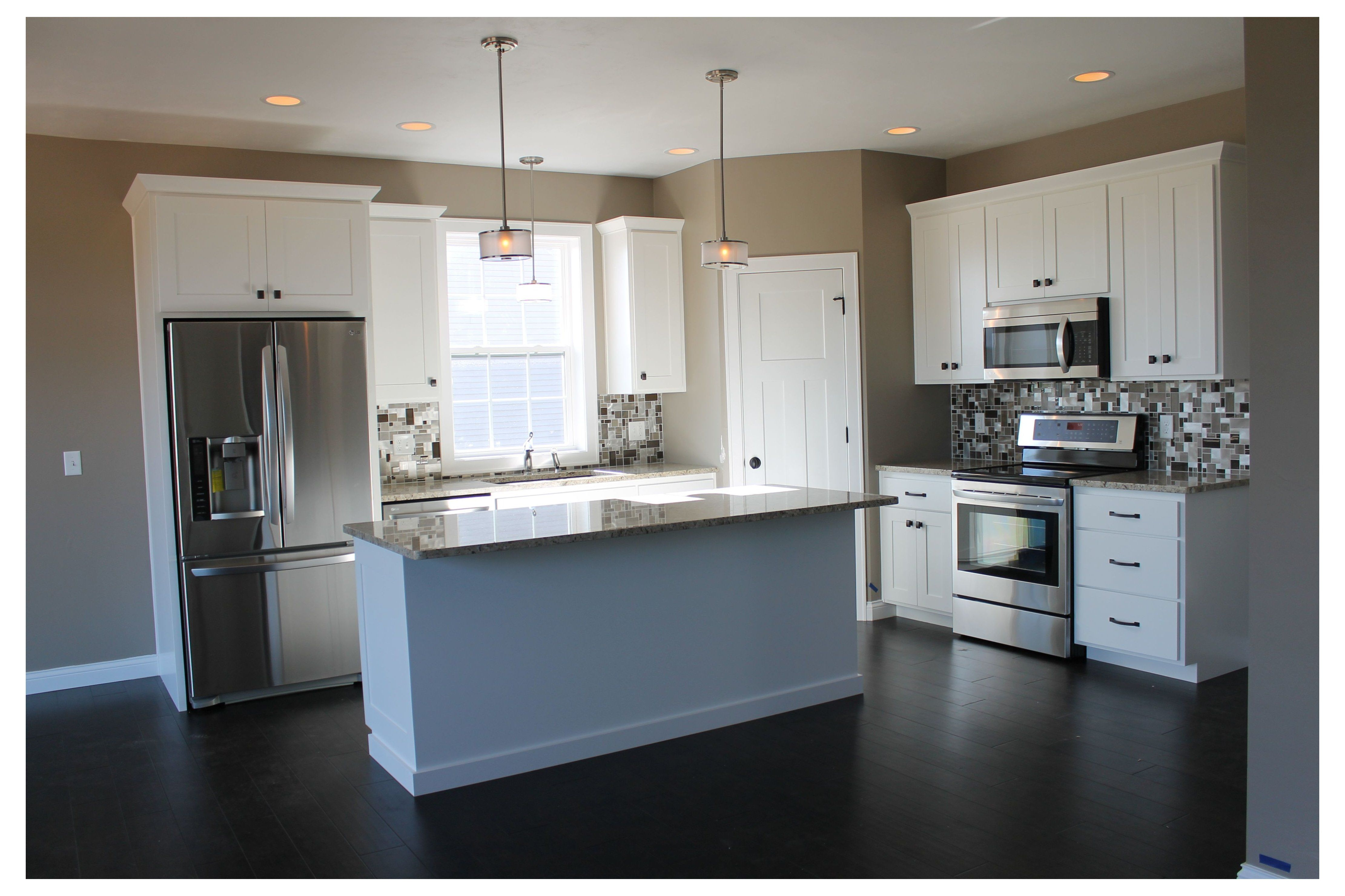 The Best Of White Cabinets L Shaped Kitchen With Corner Pantry 5322 White Kitchen With Large Small Kitchen Layouts Kitchen Layout L Shape Kitchen Layout