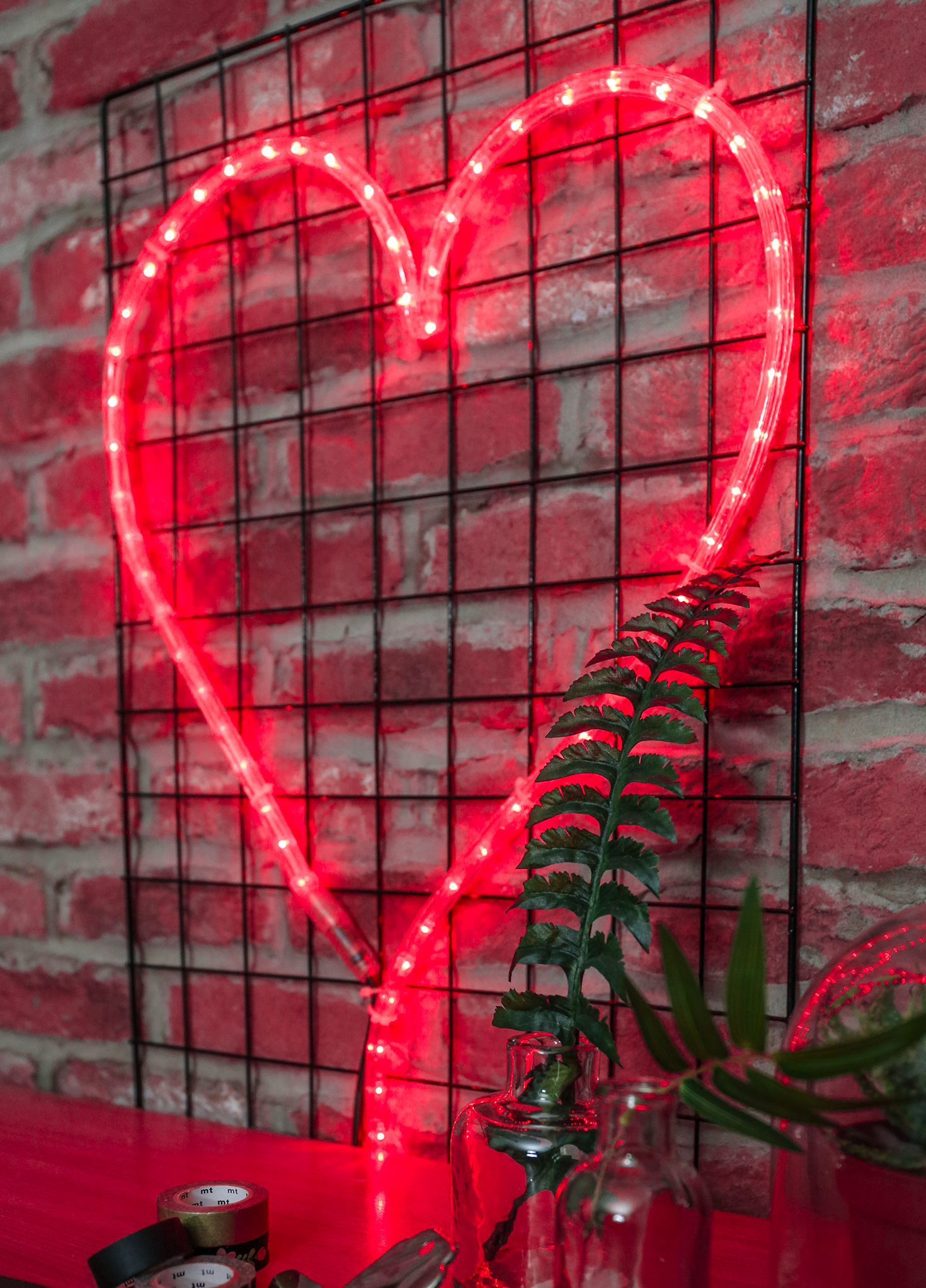 Rope Light Can Be Used To Create A Neon Effect Sign In Almost Any Shape We Love This Heart Shaped Design Neon Led Rope Lights Rope Light How To Make Light