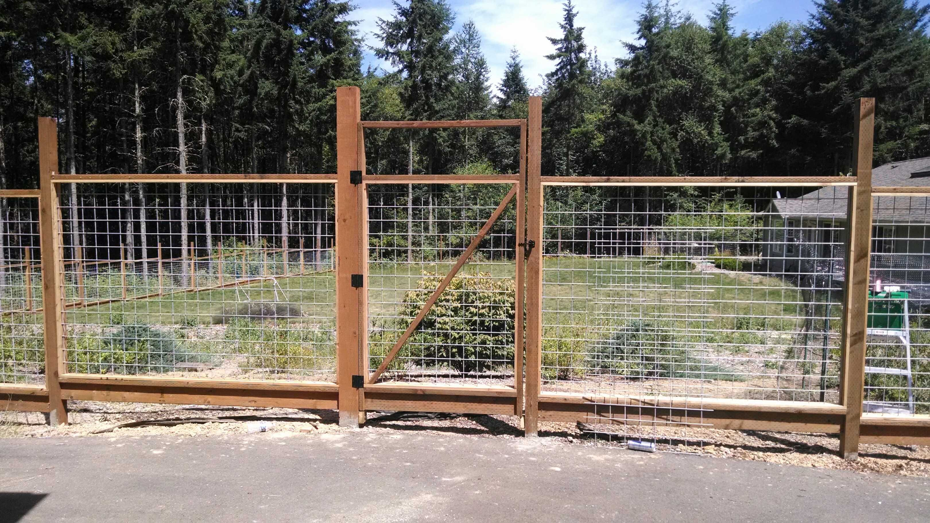 6 Ft Welded Wire Fence With Walk Gate Under Construction Wire Fence Fence Design Welded Wire Fence