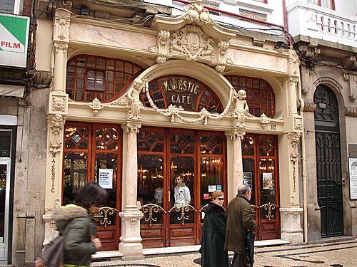 Cafe Majestic, Oporto. En la Calle Santa Caterina.Abierto en 1921. De estilo Art Nouveau