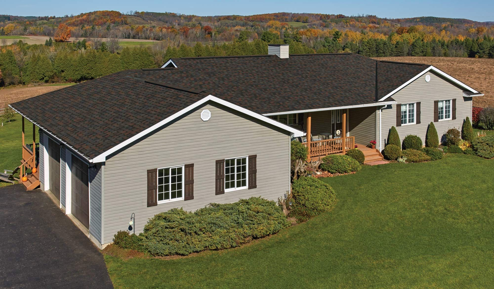 Iko Dynasty Pacific Rim Navy Red Brown Roof In 2020 Shingle Colors Architectural Shingles Roof Shingles