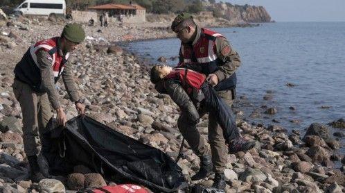 Grecia lucha por evitar una salida de Schengen