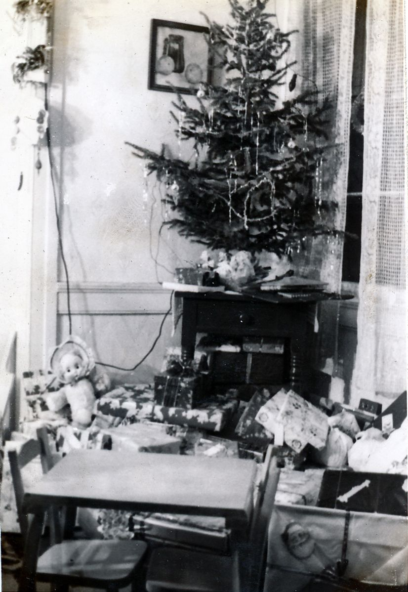 A vintage Christmas, 1940\'s - Photo from Crystal Pyramid Productions ...