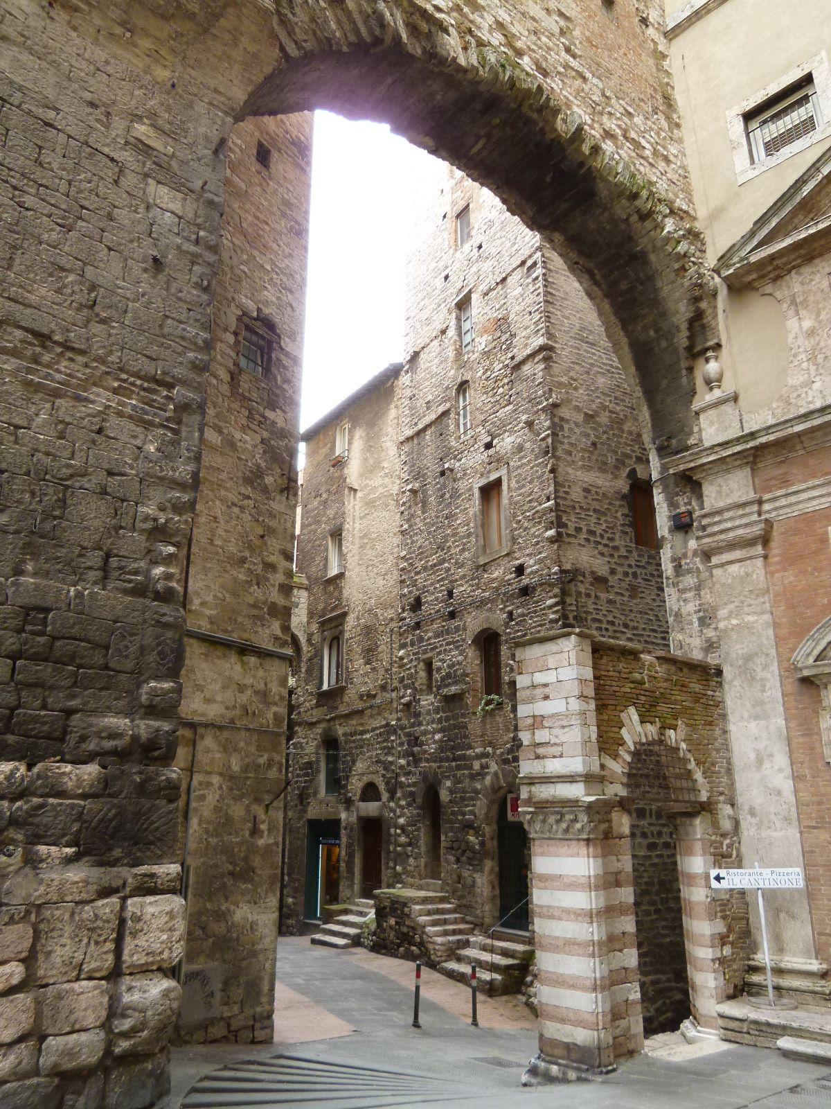 Via Appia, Perugia,Italia Italia, Viaggiare in italia