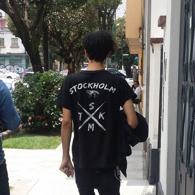 Vela de @aurumrock  STOCKHOLM CO. www.stkm.co  #streetwear #aurumrock #urban #apparel #stockholmapparel #stockholmco #modaurbana #clothingline #clothing #playera #tee #instafashion