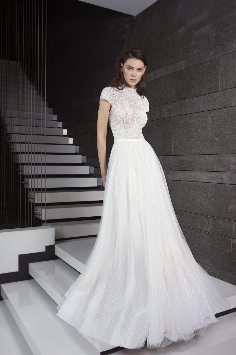 Fully Beaded Short Sleeve Bodice Tulle Skirt Wedding Dress By Tony Ward Image Tulle Skirt Wedding Dress Wedding Dresses Kleinfeld Short Sleeve Wedding Dress [ 1152 x 768 Pixel ]