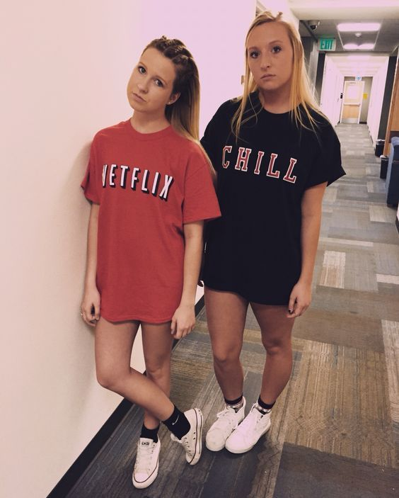 netflix and chill halloween costumei just love how thrilled they look - Easy Teenage Girl Halloween Costumes Ideas