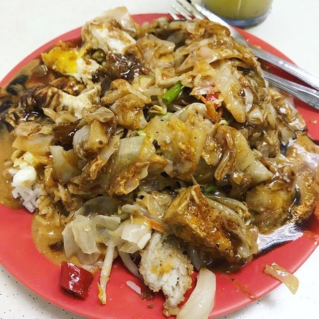 Missing Singapore So Much. Where is my passport?!?   one from#jalanbesar and one  Missing Singapore So Much. Where is my passport?!?   one from#jalanbesar and one from#tiongbahru just nice late night#supper and#breakfast Even frm diff places my order for#scissorcut#rice usually e same/similar: