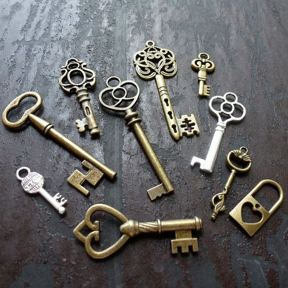 Skeleton Keys Brass Steampunk Antiqued Mixed Jewelry Charms Lot of 16