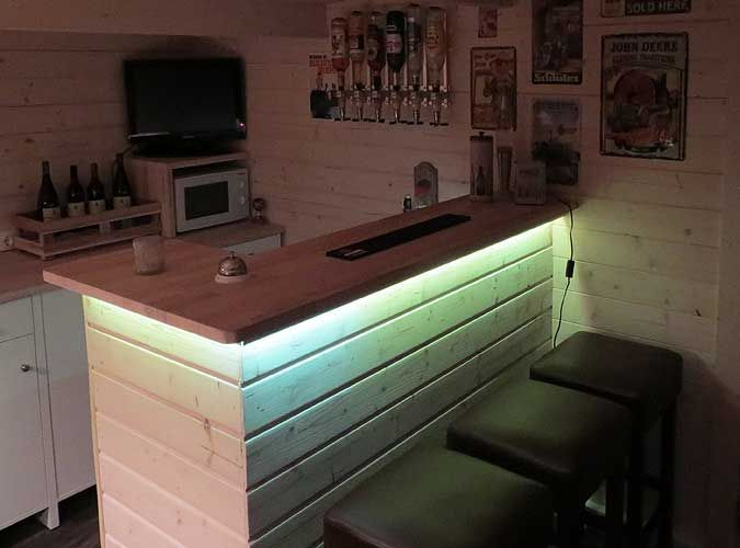 Das Gartenhaus Mit Hausbar Und Stammtisch Einrichtung Ideen Bars For Home Outdoor Kitchen Bars House