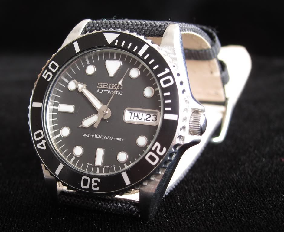 Seiko 7S260050 / SKX023 mid size 38mm without crown