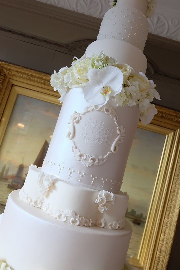 5 Foot Luxury wedding cake with custom cake monogram | fabmood.com #weddingcake #luxuryweddingcake #cakes