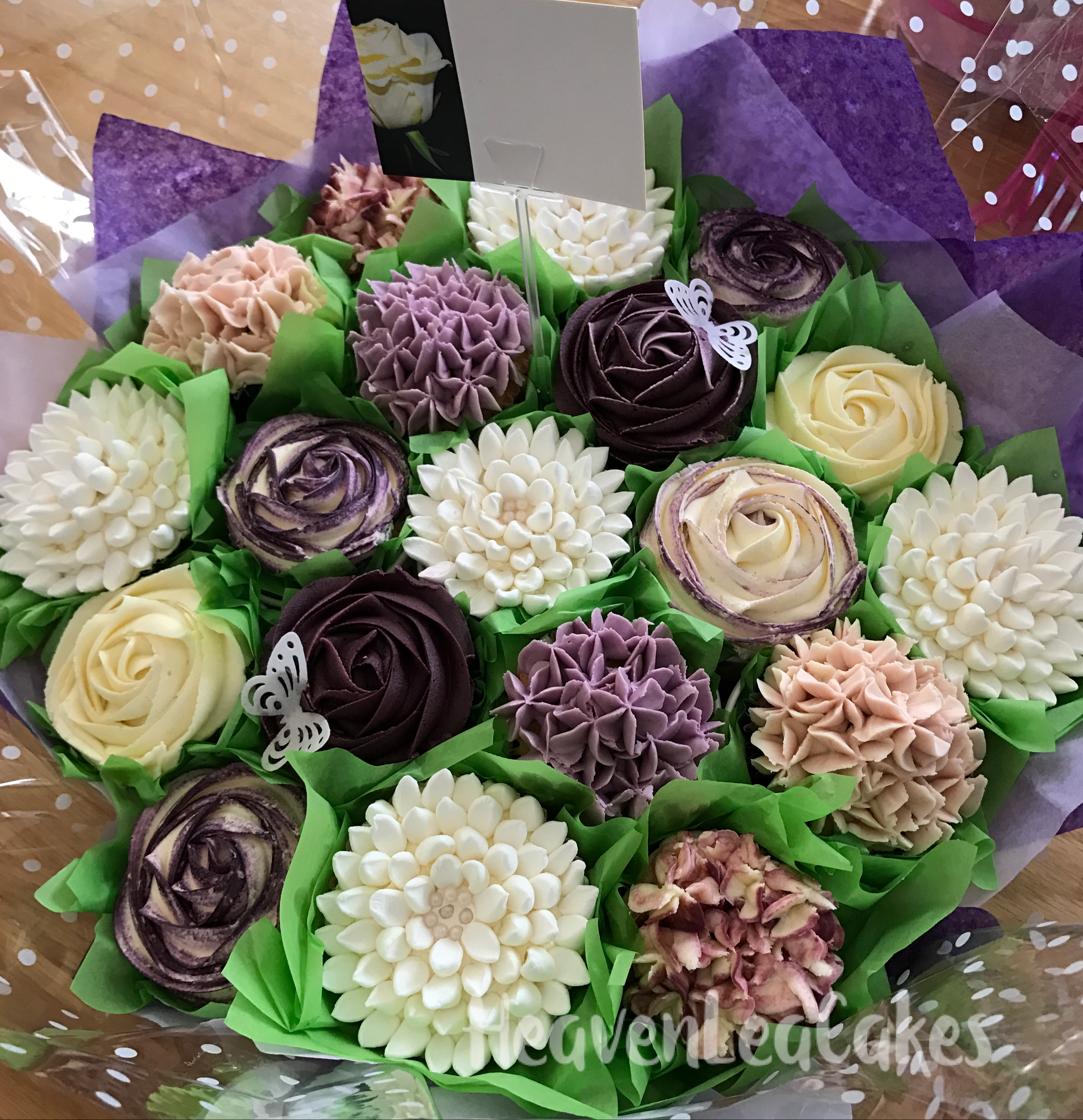 Cupcake Bouquet Course Available For Professional Cake Decorators