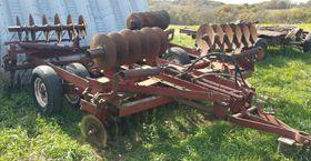 JD 514 5 bttm plow semi-mount, older square baler (2) JD 414