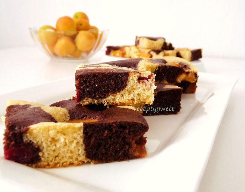 Čerešňovo-marhuľový koláč