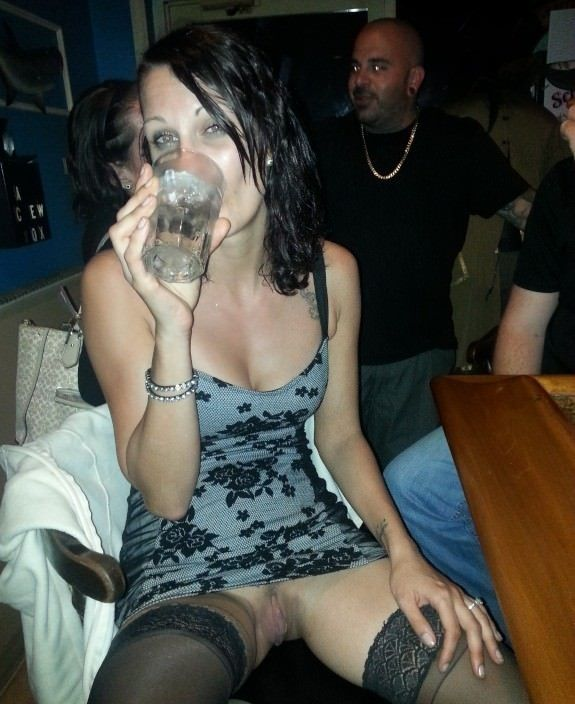 Married Women Can Still Have Fun At The Bar  Hotwife -7872