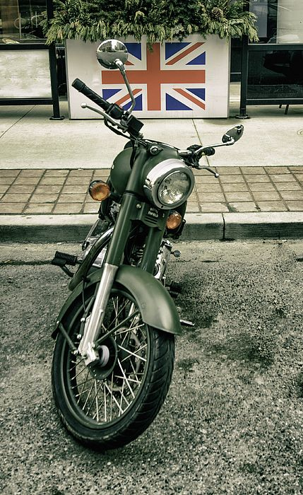 Photo of Royal Enfield, Made Like A Gun. by James Canning