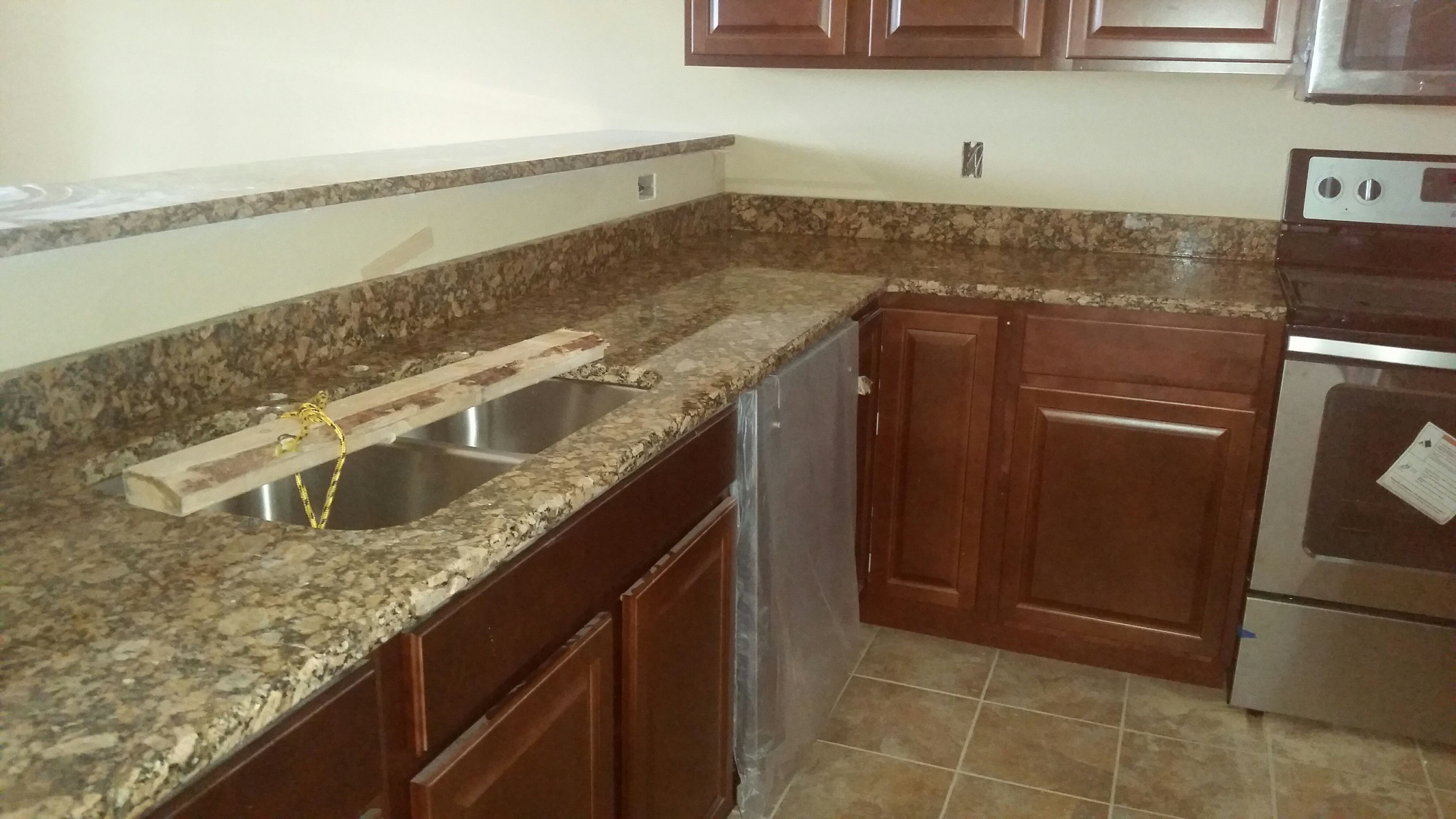 Giallo Fiorito Granite Kitchen Countertop Install For The Coley Family.  Knoxvilleu0027s Stone Interiors. Showroom