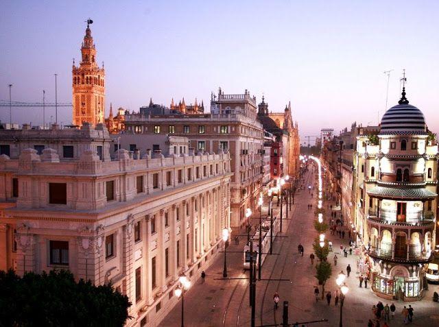 Avenida de la Constitución. Las calle más bonitas de España