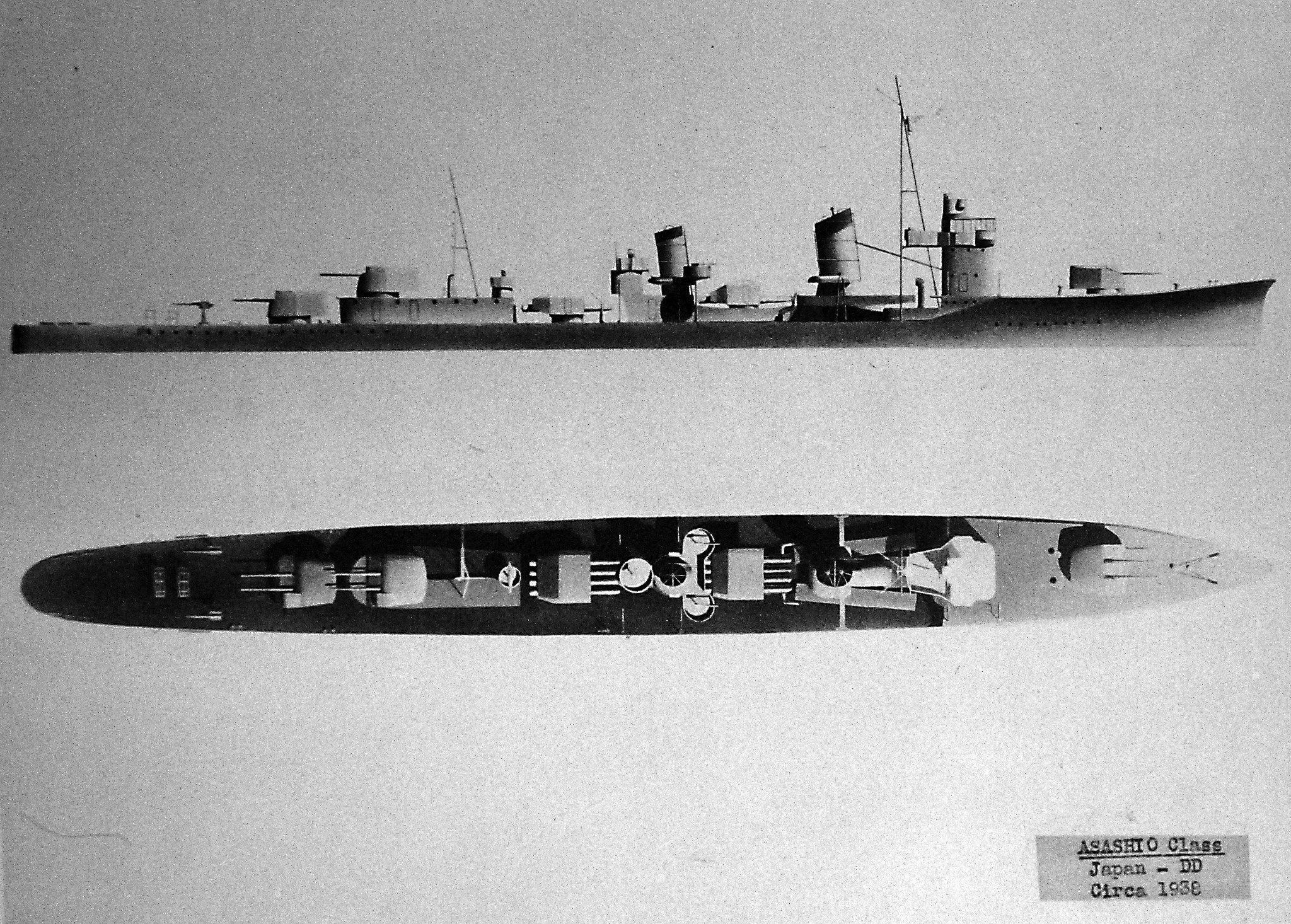 Lot-2406-21: Japanese destroyer Asashio class, diagrams, 1938. Halftone copy from the files of the Department of Naval Intelligence, June 1943. Courtesy of the Library of Congress. (2016/05/12).