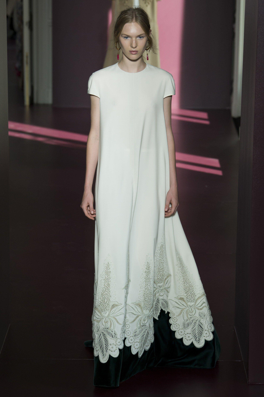 Valentino wedding dress  Pin by Aleksandra Mizera on  VOGUE  VOGUE   Pinterest