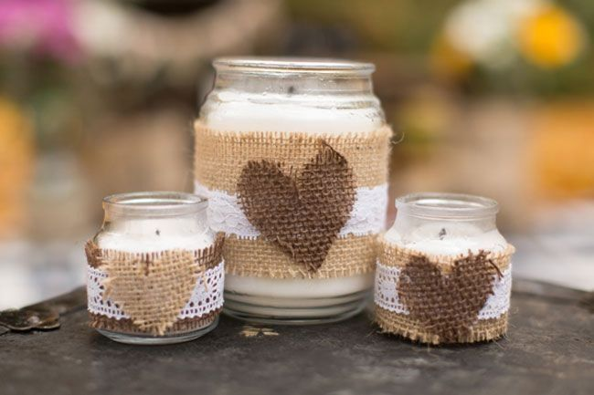Simple burlap candles