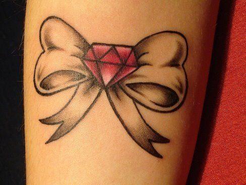 Cute Bow Tattoo By Dorthy Tatuaggi Con Fiocco Tatuaggi Old School Idee Per Tatuaggi