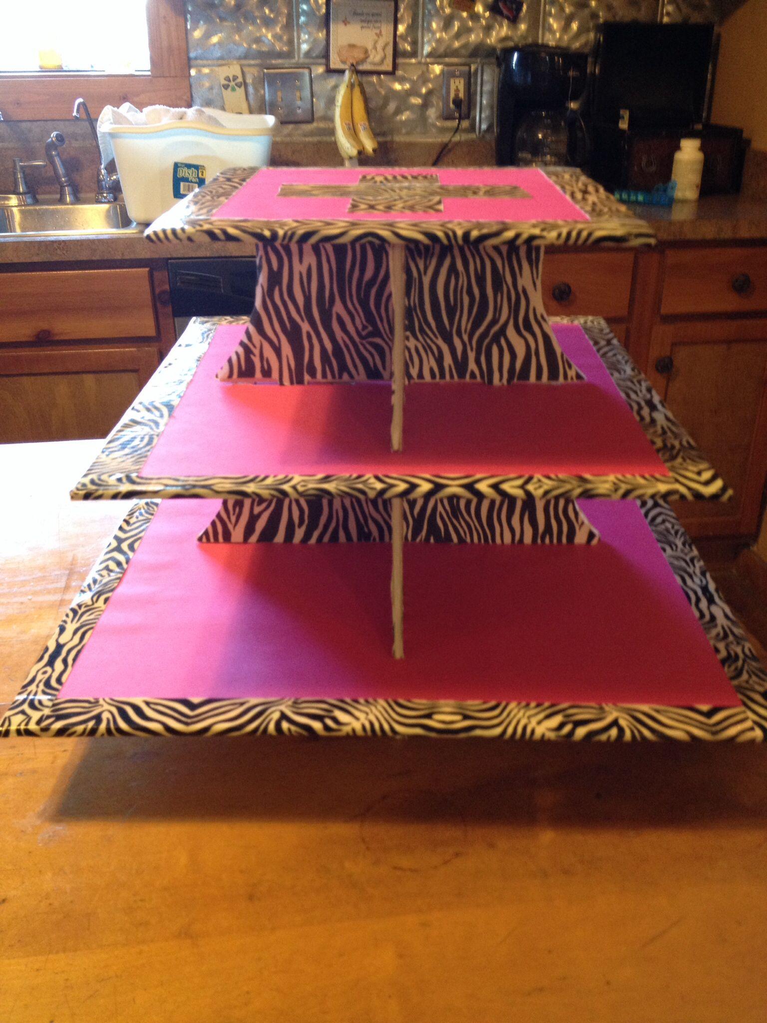 Pink and zebra cupcake holder