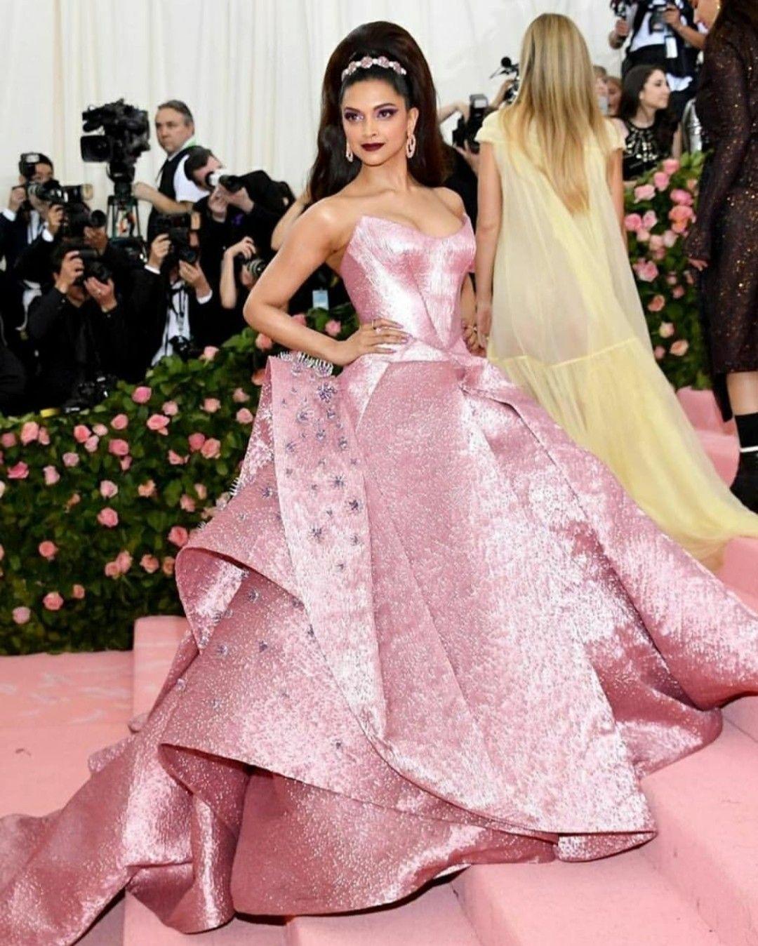 Deepika Padukone In Zac Posen For Met Gala 2019 Newyork Celebrity Wedding Dresses Gala Dresses Met Gala