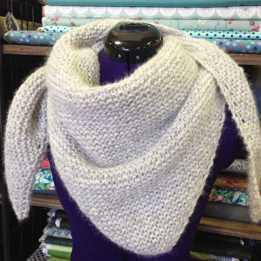 2220fed4d44 chale loving embrace drops tricoté par l atelier de la creation ...