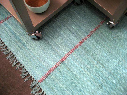 How To Create A Quick Cheap Rug Home Hacks Diy Rug Cheap Rugs Area Rugs Cheap