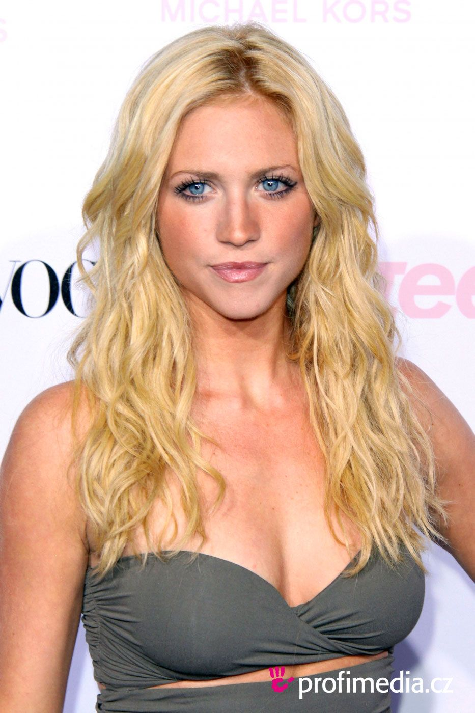 Brittany snow boob, bride feelingsof first penis penetration