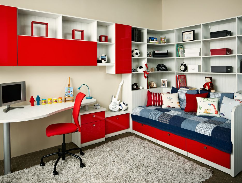Room Red sailboat pictures in red white and blue colors | california
