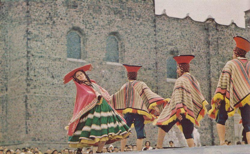 Ballet FolkloricoNational Geographic May 1973Albert Moldvay