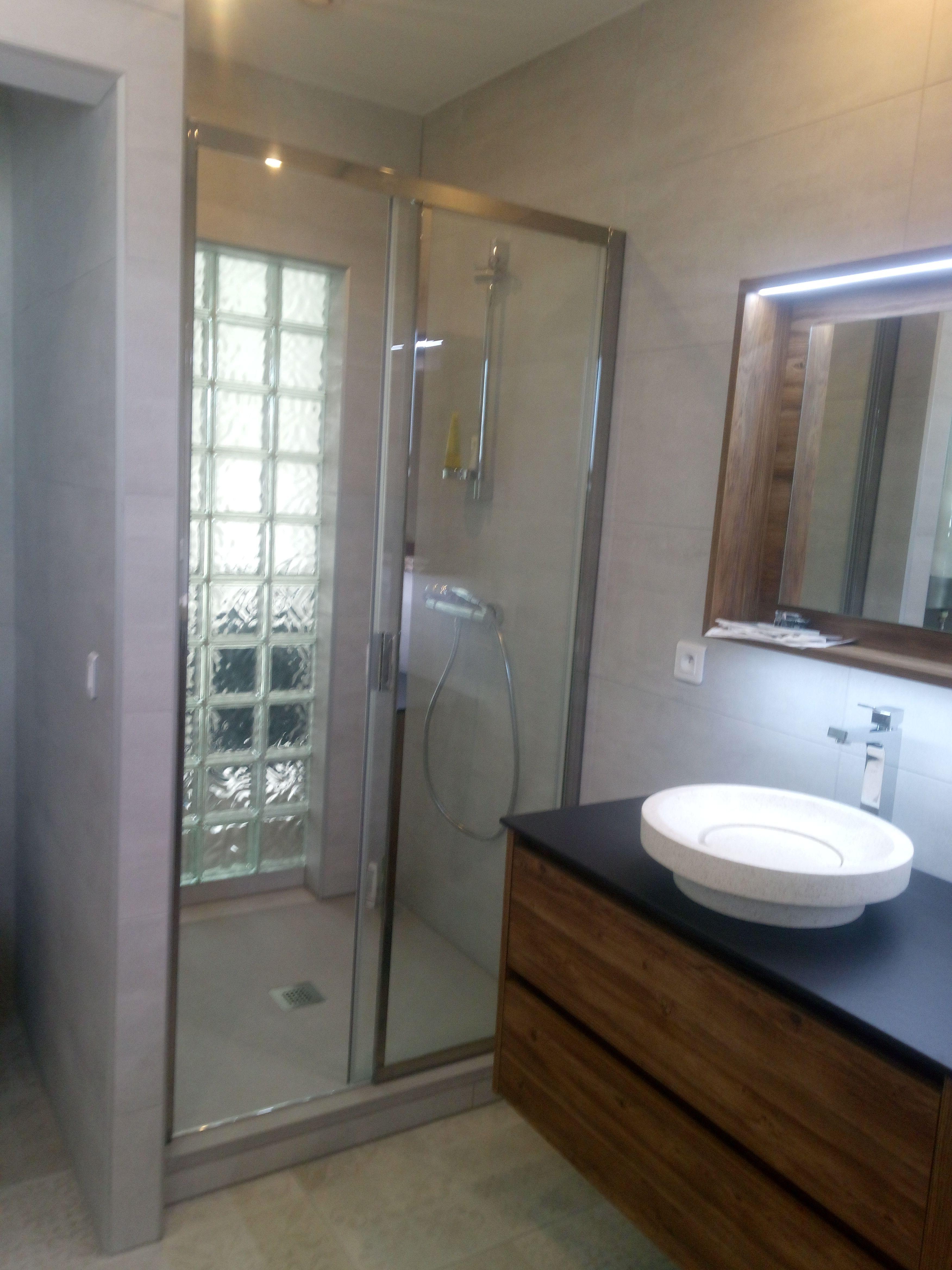 Meuble De Salle De Bain Allemand rénovation complète d'une salle de bain en bois, sans