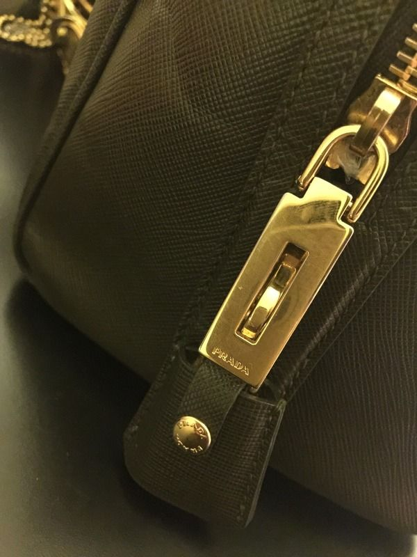 4122ec175289 PRADA ZIPPER PULL - Google Search
