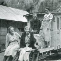 Genealogy Photos - Find Ancestor Photos   Family History Albums — FamilySearch.org