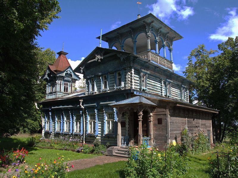 Простые деревянные дома фото когда приехал