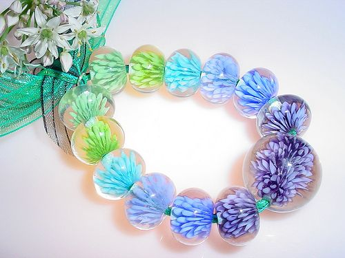 Blossom Beads - Lampwork Tutorial by RedHotSal / Sally Carver. I bought this a couple of years ago from Sally, and it's a wonderful tutorial!!