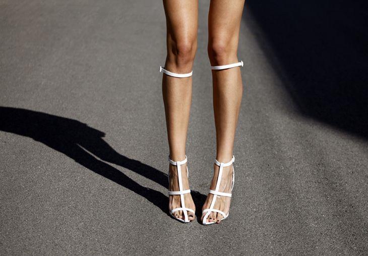 a46faca6ecc Alexander Wang white knee high gladiator heeled sandals ❤