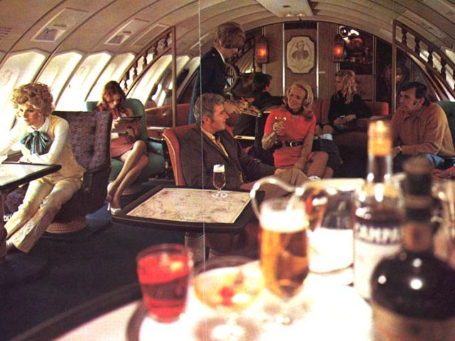 The fabulous bars, lounges and restaurants of the Boeing 747