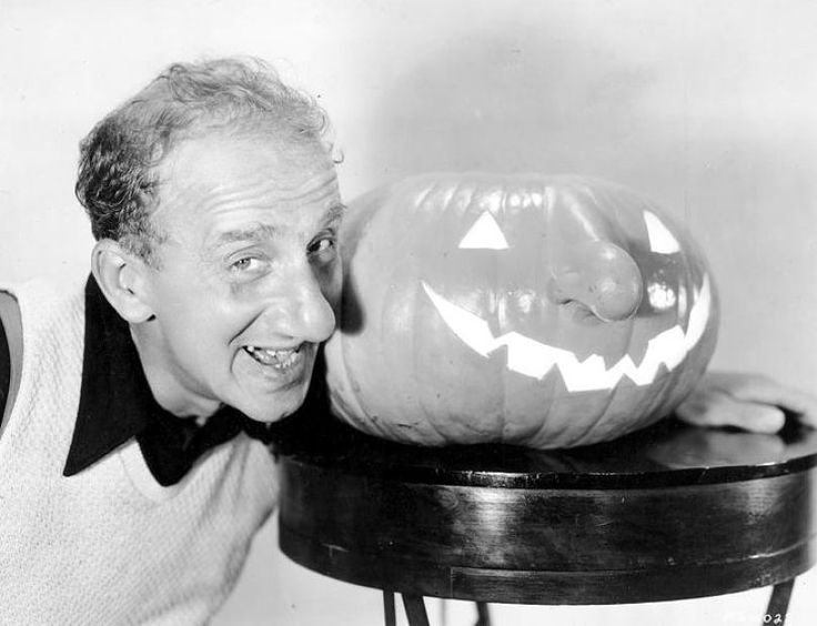 Happy Halloween Folks Hot Cha