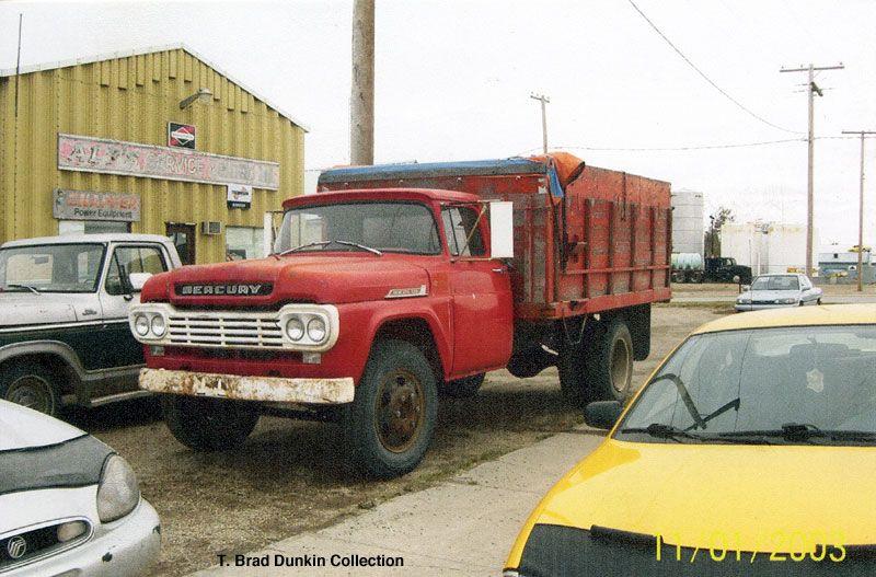 1959 mercury m600 grain truck still in use taken at melville saskatchewan in october 2009. Black Bedroom Furniture Sets. Home Design Ideas