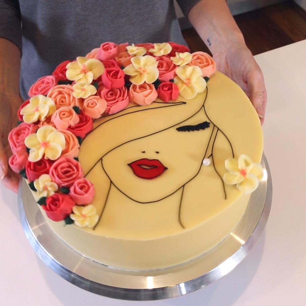 Photo of Flower Face Cake