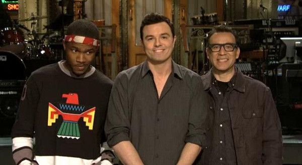 Video: Seth MacFarlane awkwardly wears Fred Armisen's pants in 'SNL' promo #examinercom