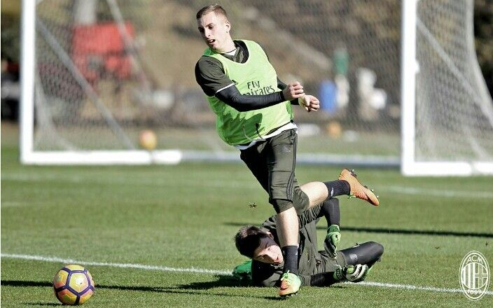 #ACMILAN #training 7. Deulofeu 35. Plizzari