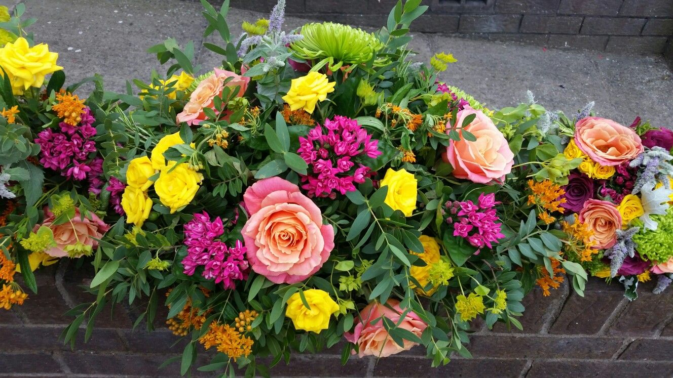 Bridal Flowers - bright, summery, happy colours!