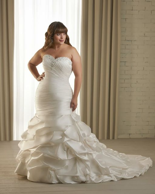 Mother of the Bride - Blog de Casamento e Dicas de Casamento para Noivas - Por Cristina Nudelman: Vestidos de noivas plus size - Noivas tamanho GG http://www.motherofthebride.com.br/2013/10/vestidos-de-noivas-plus-size-noivas.html
