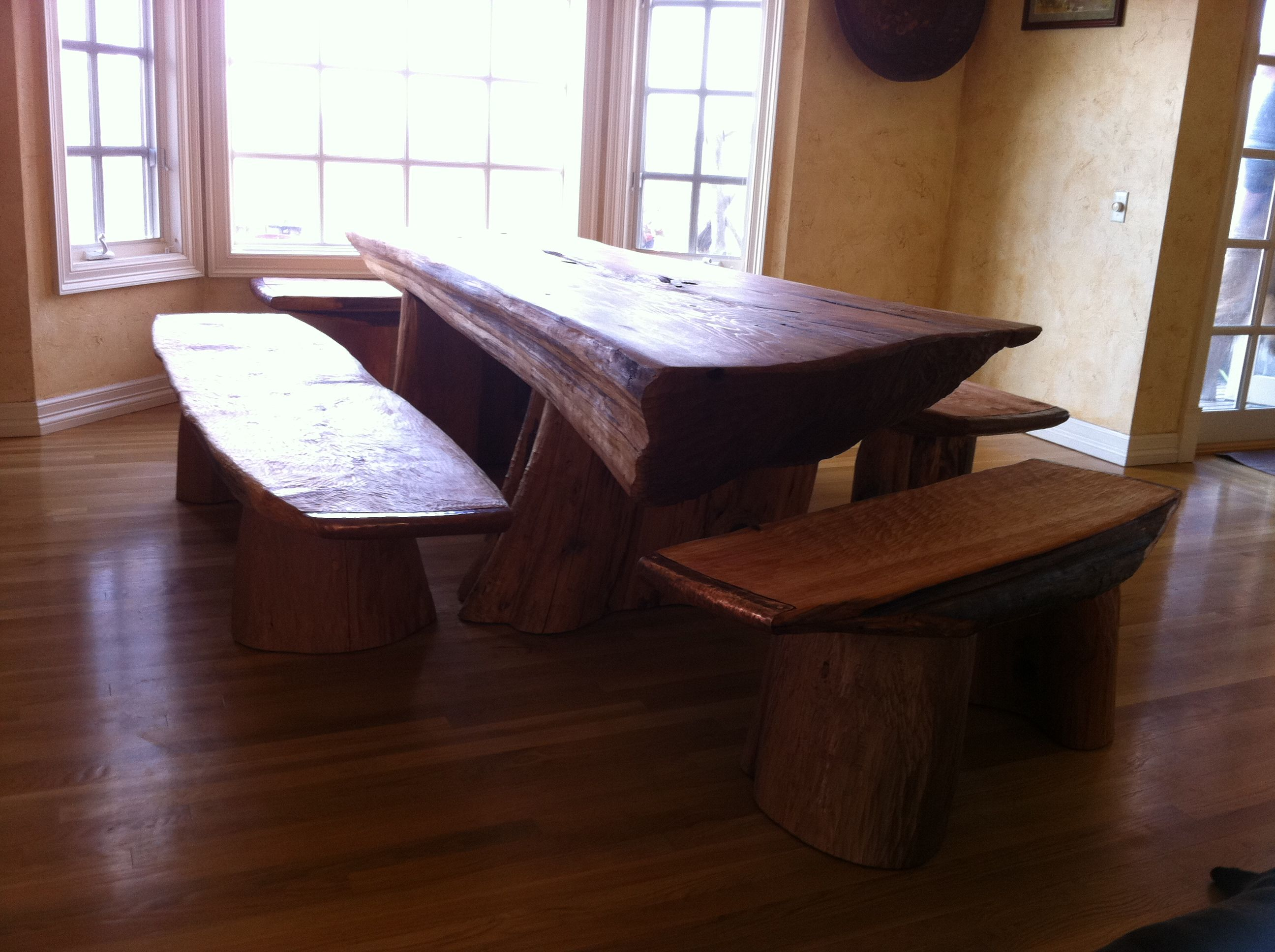 Awesome Trunk Is Still Intact Rustic Kitchen Table And Bench New Rustic Kitchen Tables Inspiration